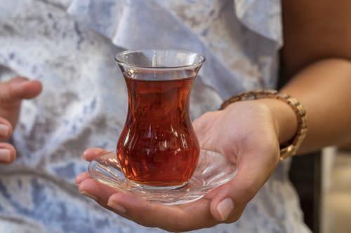 izmirdeki diyetisyenleri çay ile ilgili tavsiyeleri